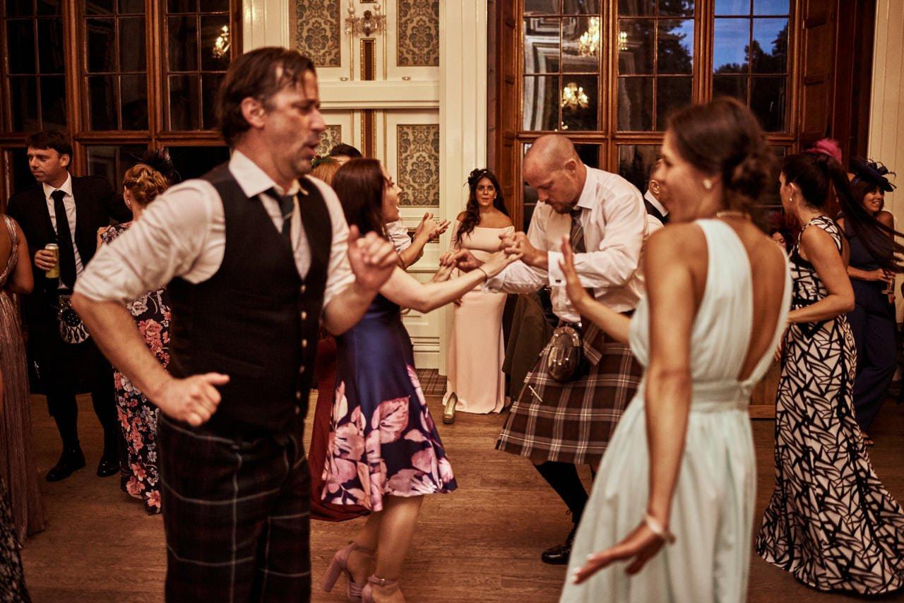 wedding scotland drumtochty castle 095