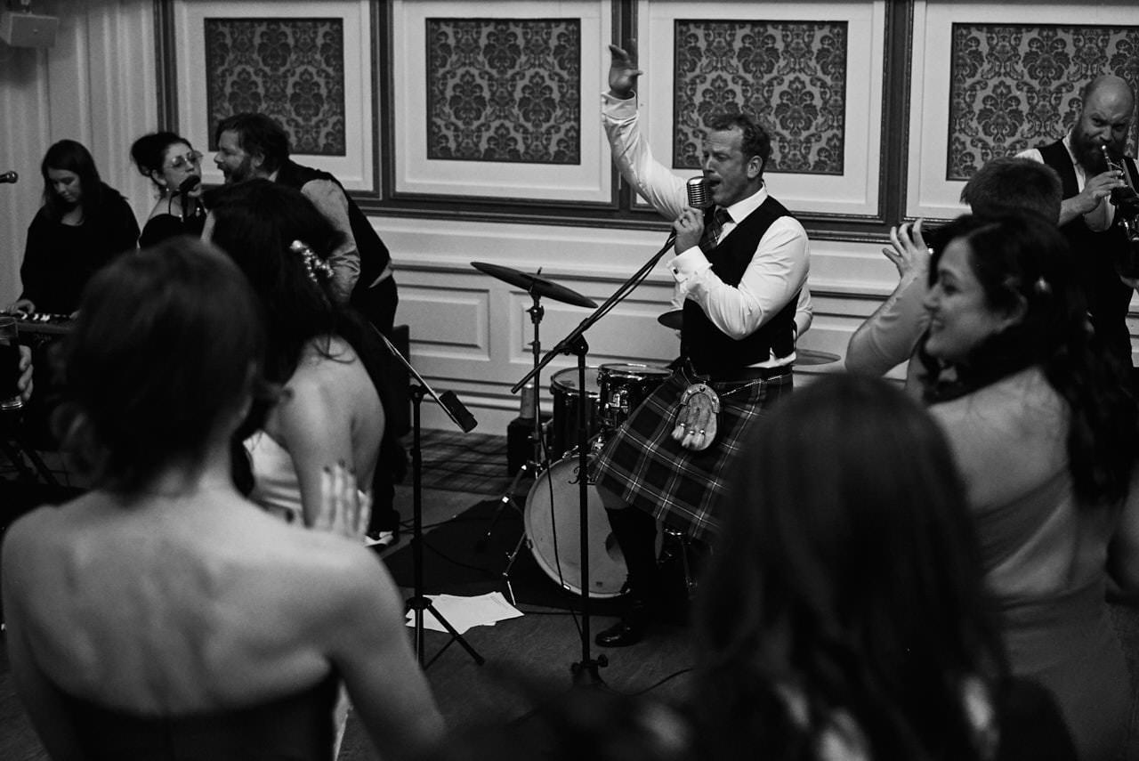 wedding scotland drumtochty castle 099