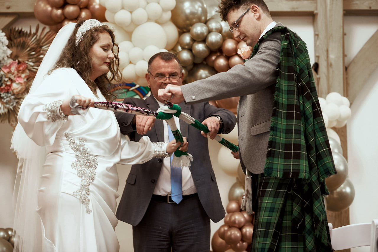 Tie The Knot Photography