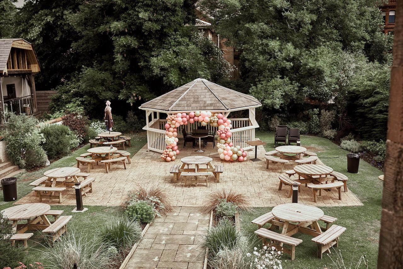 10 Hotel Wedding Photographer